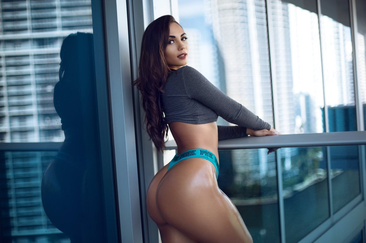 Forget Narcos! Camila Bernal Is Your New Columbian Fix ...